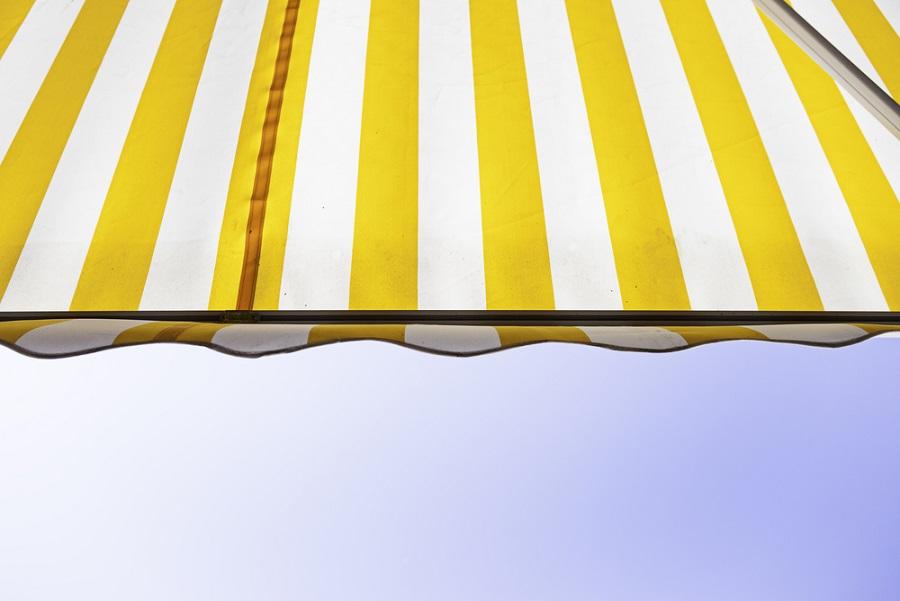 A veranda és terasz árnyékoló a népszerű nyaraló kiegészítője!